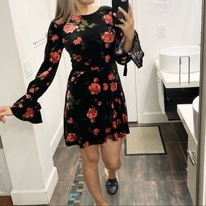 Xhilaration floral print dress size Small